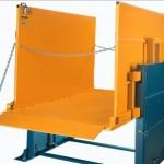 Table hydraulique à mât