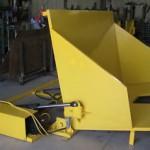 Table hydraulique à bascule et verseur
